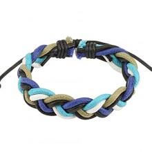 Bracelet tressé de cuir marron avec lacets bleus, blancs et gris